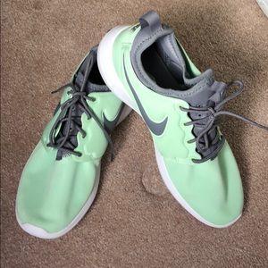NWOT Nike's